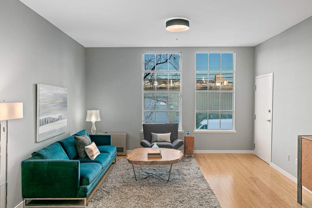 2-berkeley-west-berkeley-4th-street-9th-2712-unit-5-live-work-loft-bedroom-04