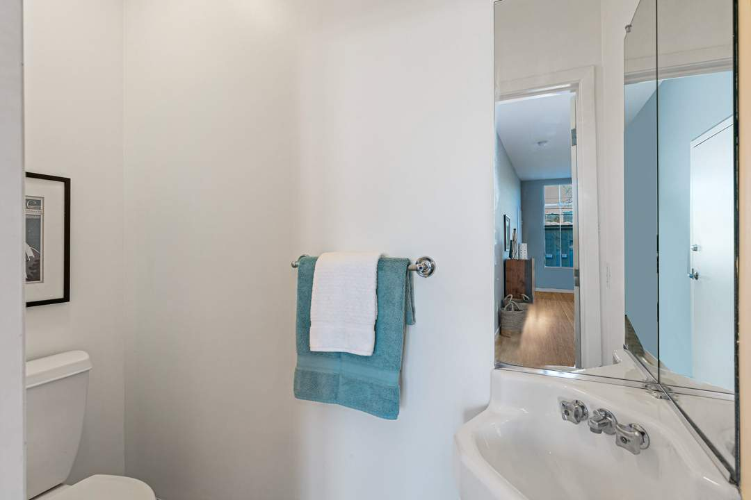 2-berkeley-west-berkeley-4th-street-9th-2712-unit-5-live-work-loft-bedroom-08