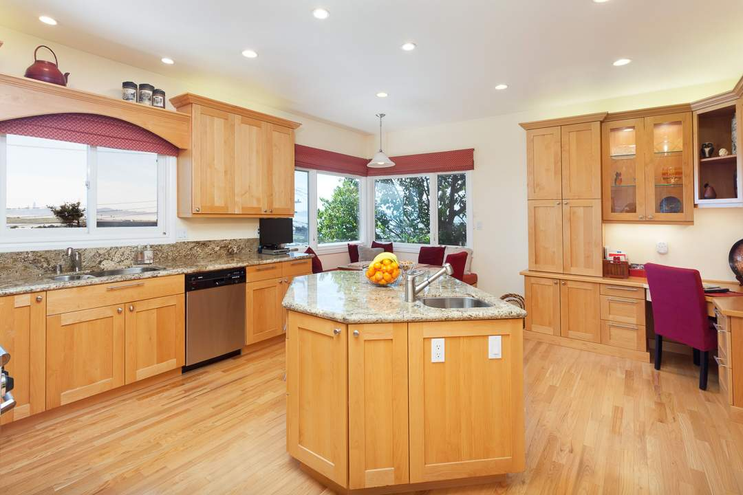 3-gateview-765-ca-albany-hill-kitchen-family-room-2