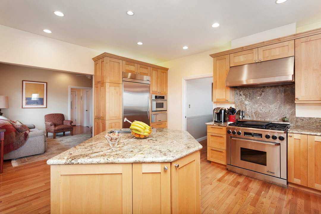 3-gateview-765-ca-albany-hill-kitchen-family-room-3