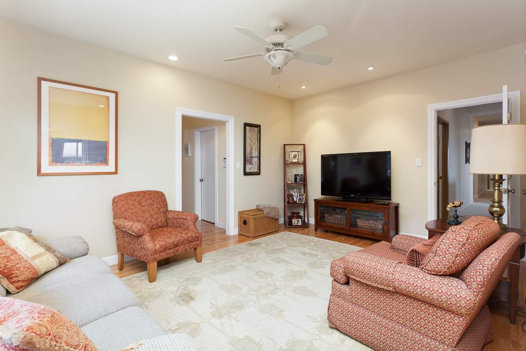 3-gateview-765-ca-albany-hill-kitchen-family-room-6