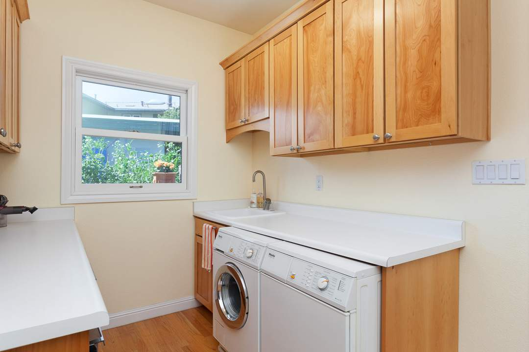 3-gateview-765-ca-albany-hill-kitchen-family-room-7