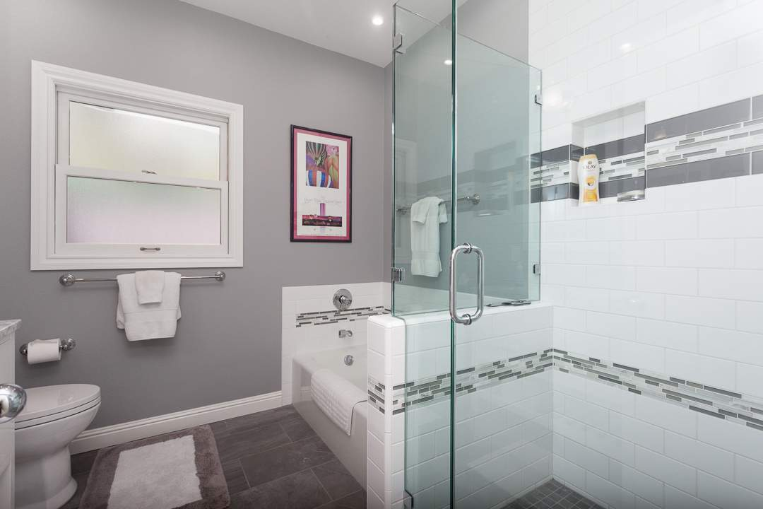 6-gateview-765-ca-albany-hill-bathrooms-2