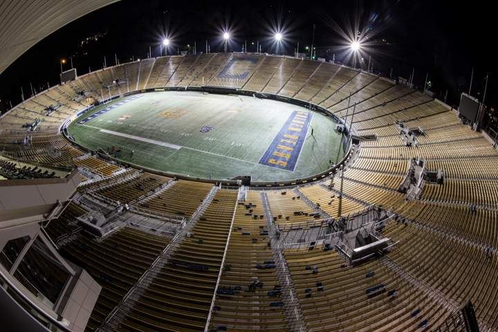 berkeley-uc-university-california-memorial-stadium-berkeley-field-full-night-1