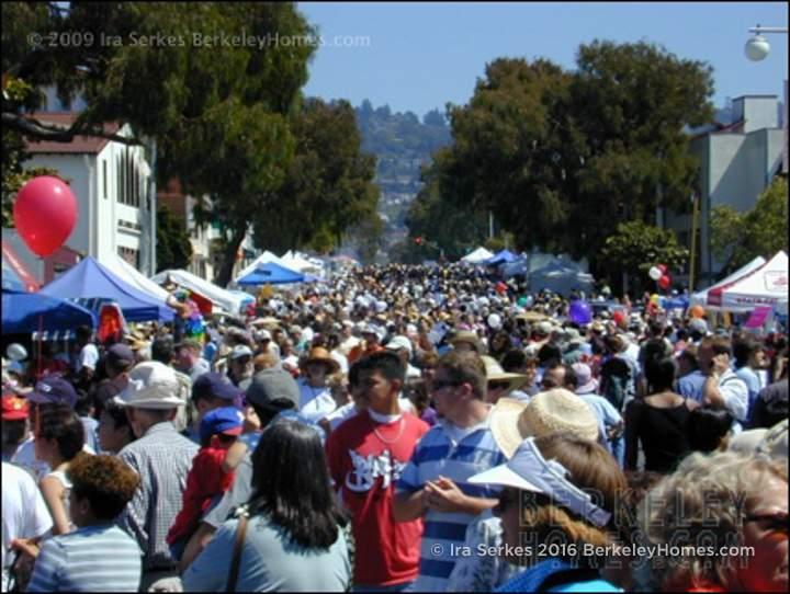 event-09-berkeley-solano-stroll-crowds-01
