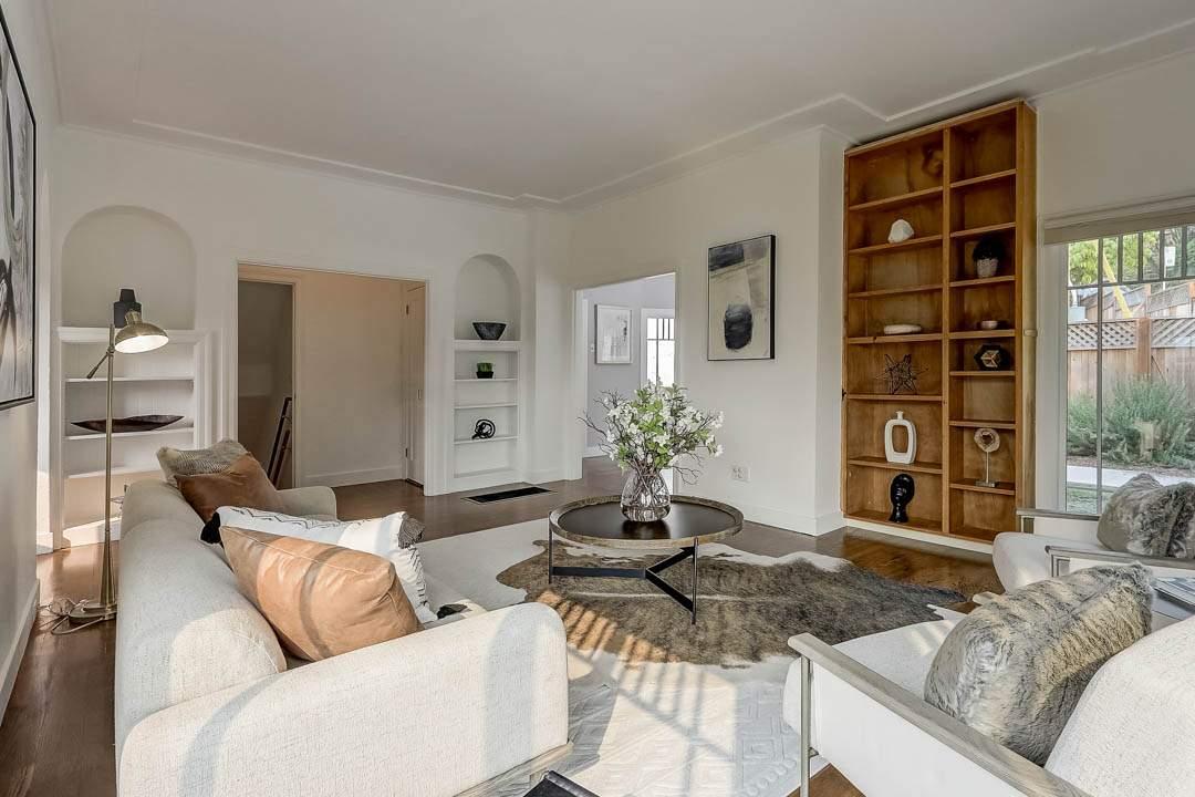 2–glen-2209-north-berkeley-hills-living-room-01