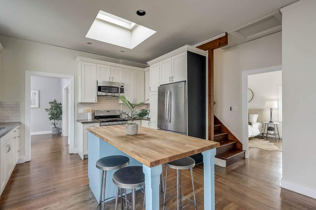 4–glen-2209-north-berkeley-hills-kitchen-01