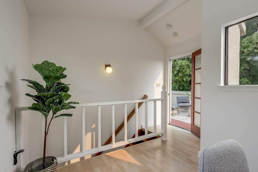 5–glen-2209-north-berkeley-office-terrace-01