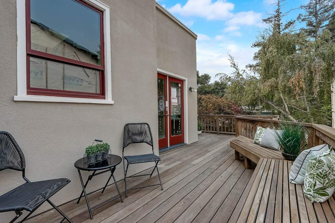 9–glen-2209-north-berkeley-hills-exterior-yard-drone-01