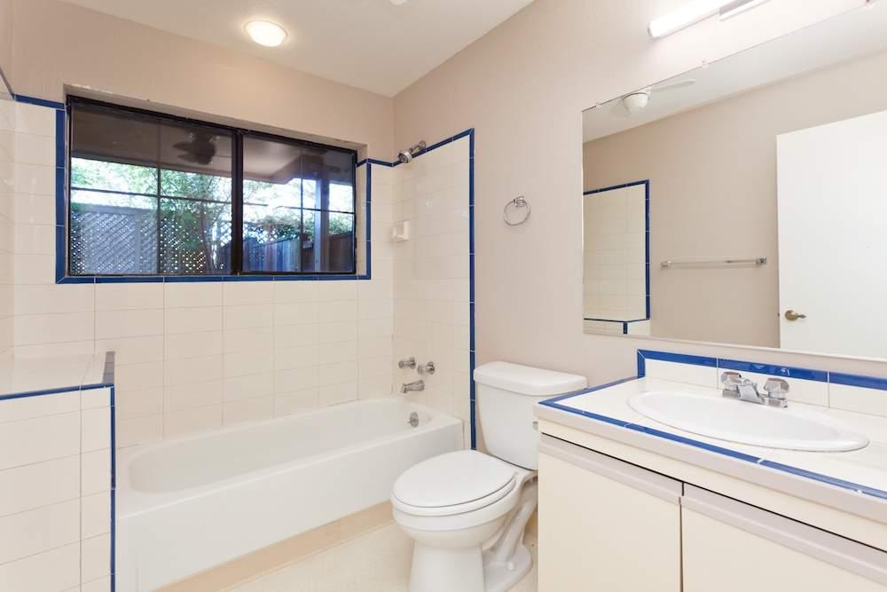 3-hearst-1527-bedrooms-bathrooms-6
