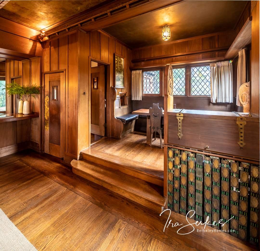 bay-vew-place-1321-berkeley-hills-bernard-maybeck-interior-breakfast-08-HDR-Pano