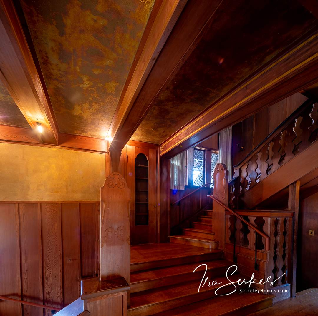 bay-vew-place-1321-berkeley-hills-bernard-maybeck-interior-entry-stairs-01-HDR-Pano