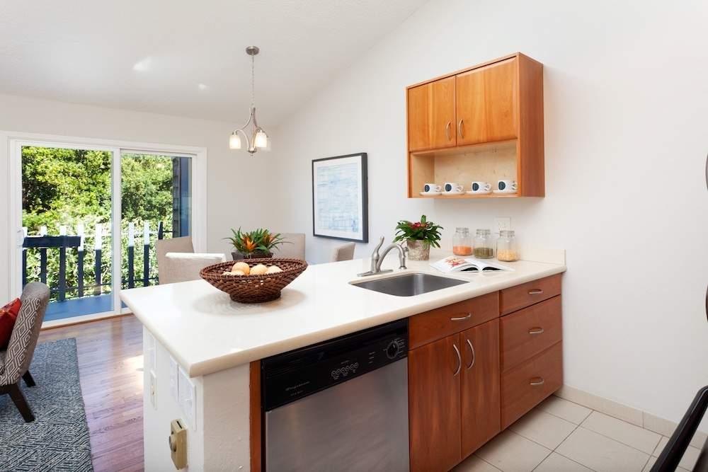 1-jackson-627-b-albany-hill-living-dining-kitchen-5