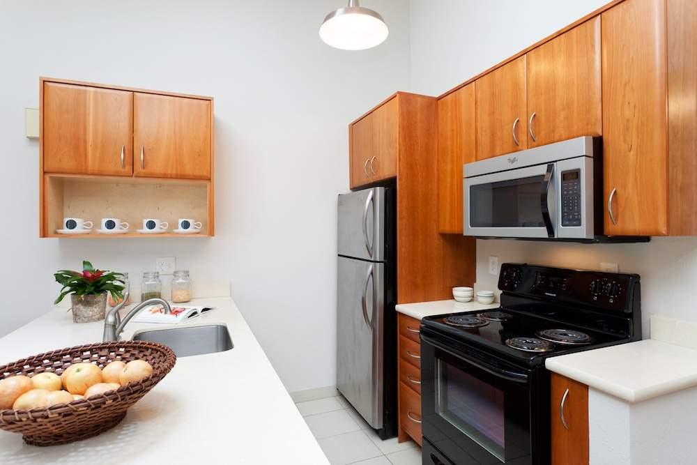 1-jackson-627-b-albany-hill-living-dining-kitchen-6