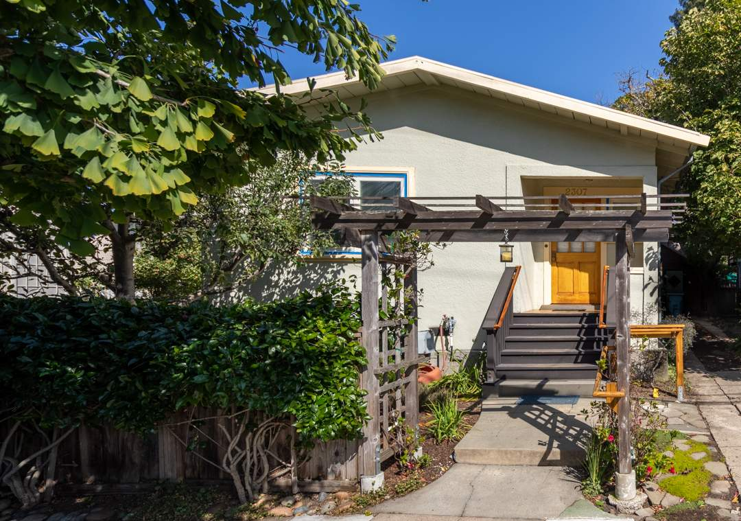 1-mcgee-2307-central-berkeley-neighborhood-exterior-1-HDR