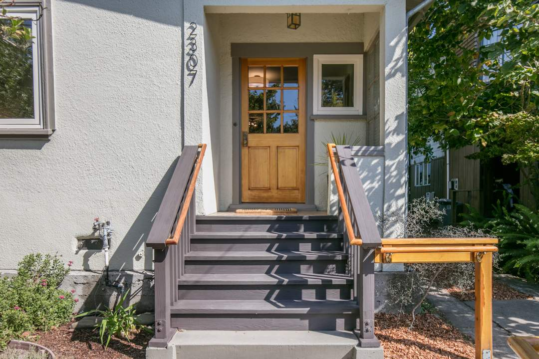 1-mcgee-2307-central-berkeley-neighborhood-exterior-front-2