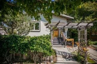 2307 McGee – Central Berkeley – Wonderful alternative to a condo!