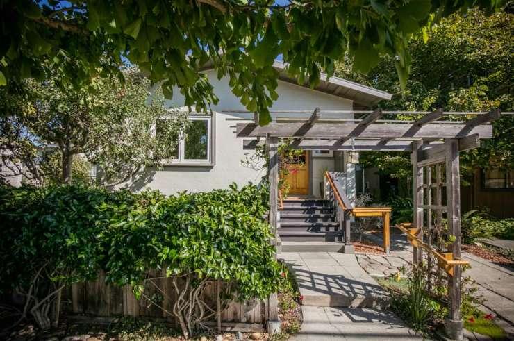 2307 McGee – Central Berkeley – Wonderful alternative to a condo!