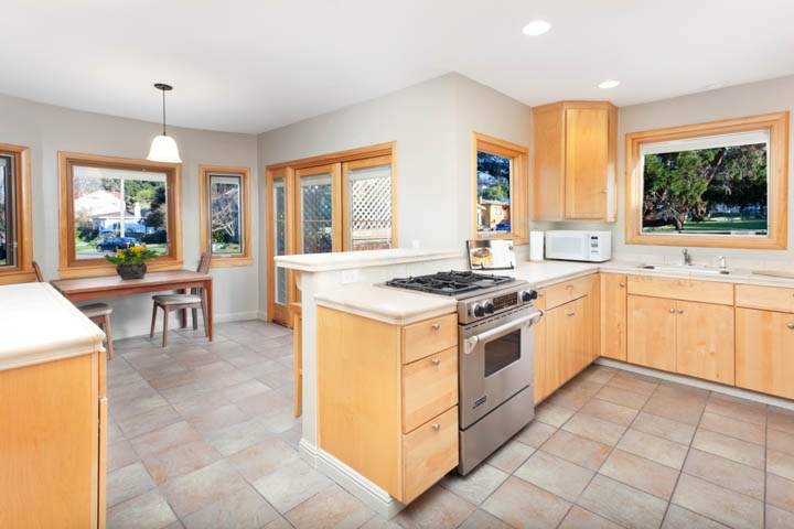 1-tacoma-1690-thousand-1000-oaks-berkeley-neighborhood-dining-kitchen-5