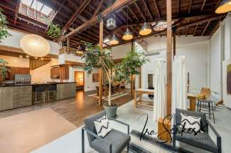Amazing open loft space in 1914 silent movie theater – just up town from Koreatown Northgate (KONO) and Uptown Oakland.