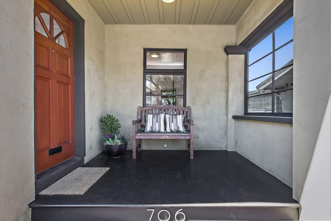 1-peralta-706-berkeley-thousand-oaks-neighborhood-exterior-front-3