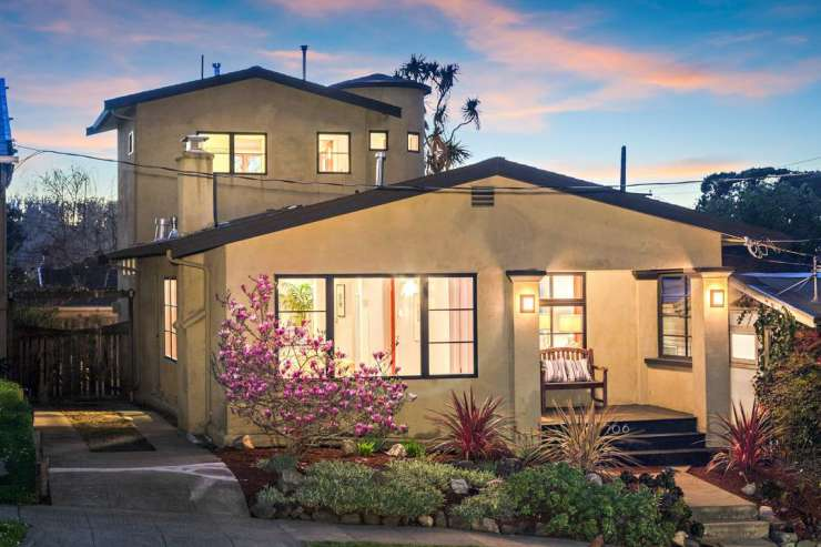 706 Peralta – Superb Contemporary in Berkeley's Thousand Oaks Neighborhood