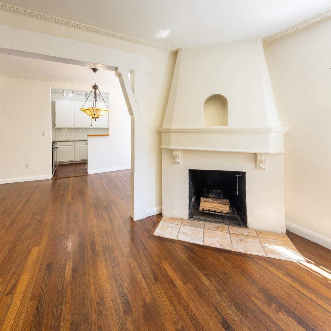 2-berkeley-california-berkeley-hills-virginia-2371-unit-2-living-room-06