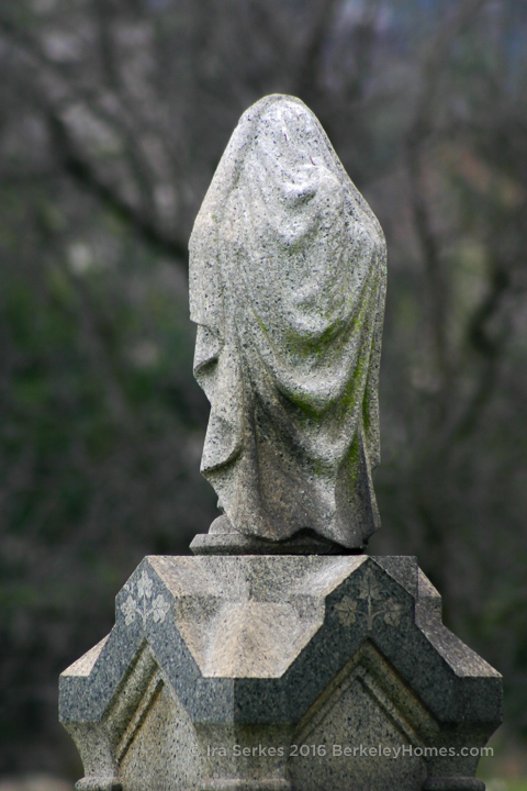 mountain-view-cemetery-statue