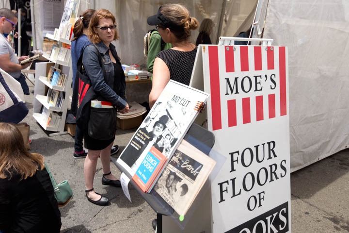 2015-06-bay-book-fest-baybookfest-dot-org-booth-moes-books-3