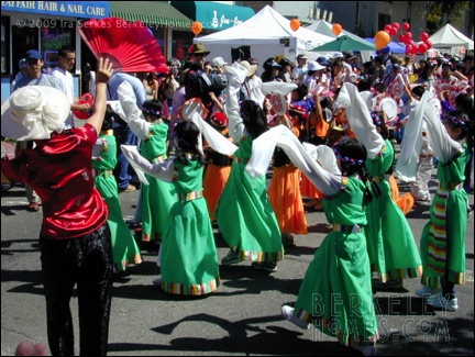 event-09-berkeley-solano-stroll-parade-performers-02