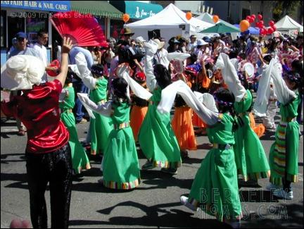 event-09-berkeley-solano-stroll-parade-performers-02