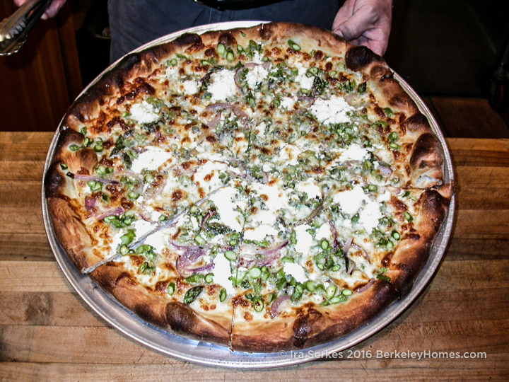 berkeley-ca-northbrae-westbrae-neighborhood-pizza-gioias-art-kinsey-2