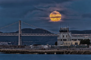 2015-12-25-moon-full-setting-alameda-naval-air-station-twilight-morning-san-francisco-ships-west-hornet-avenue-ferry-point-1-Edit