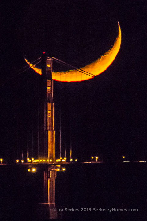 2013-12-05-moon-crescent-setting-san-francisco-bay-golden-gate-bridge-tower-4