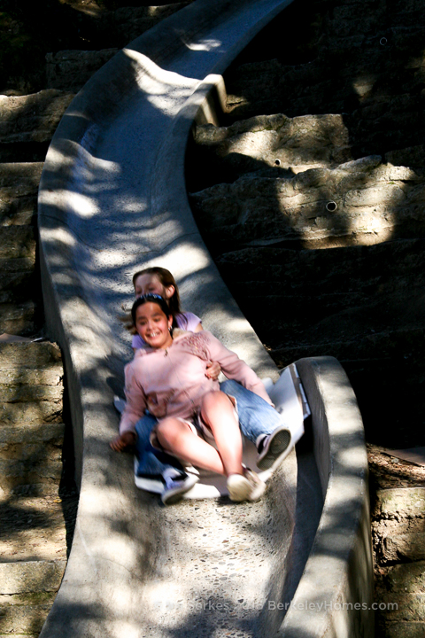 park-berkeley-california-berkeley-hills-codornices-park-1201-euclid-avenue-concrete-slide-kids-1